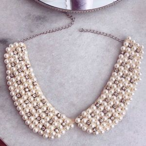 Italian pearl collar-necklace